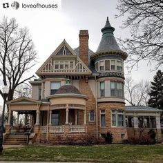 """1,872 Likes, 24 Comments - Ode To Old Houses (@oldhouselove) on Instagram: """"Happy hump day old house lovers! I need a bib to catch my drool! what do you enjoy about this…"""""""