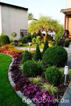 These simple, cheap and easy landscaping ideas will make your lawn is about to become the envy of the neighborhood. Here are some tips for you. When planting entire garden bed, arrange plants in snug…MoreMore #LandscapingIdeas