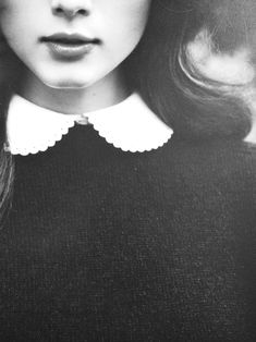 >>peter pan collar<<
