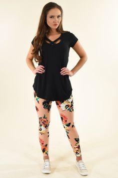 Floral Leggings, Printed Leggings, Black And White Leggings, Floral Prints, Peach, Sporty, Spandex, Model, How To Wear