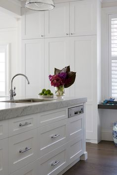 Beautifully Designed Kitchen .