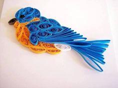 Pájaro hecho en la técnica de filigrana para tarjetería.