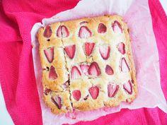 Strawberry Yoghurt Cake