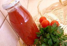 Zöldfűszeres paradicsomlé Preserving Food, Hot Sauce Bottles, Preserves, Canning, Vegetables, Automata, Preserve, Vegetable Recipes, Home Canning