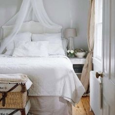 Is it just me or, natural tones on a white canvas feel really serene and inviting inside a house? (image via bhg)