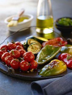 El aceite de la variedad hojiblanca es ideal para preparar conservas vegetales. También para usarlo en crudo en ensaladas suaves, cremas frías, pastas o salteados de verduras.