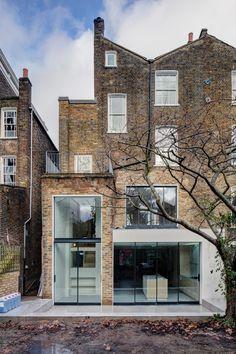 dezeen: APA creates warehouse-inspired interior for refurbished London townhouse Victorian Townhouse, Modern Townhouse, London Townhouse, London House, London Architecture, Sustainable Architecture, Modern Architecture, Residential Architecture, Warehouse Living
