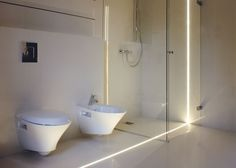 Linear lighting in bathroom Linear Lighting, Strip Lighting, Modern Lighting, Lighting Design, Lighting Ideas, Bar Light Fixtures, Led Fixtures, Light Fittings, Shower Lighting