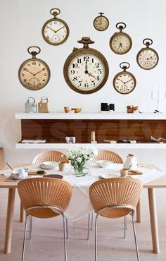 In a farmhouse design, the side table seems to have important roles that are unreplaceable. The farmhouse side table is Room Interior, Interior Design, Modern Interior, Modern Furniture, Interior Decorating, Sweet Home, Farmhouse Side Table, Piece A Vivre, Dining Room Inspiration
