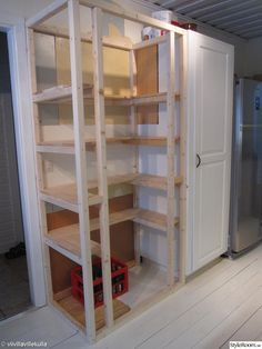 Kitchen Pantry Design, Kitchen Pantry Cabinets, Diy Kitchen, Kitchen Interior, Built In Pantry, Small Pantry, Corner Pantry, Pantry Closet, Home Upgrades
