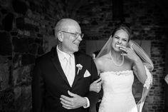 Funny wedding photos | Ridley Creek state park weddings | Juliana Laury Photography