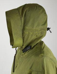 nemen-x-acronym-pistachio-object-dyed-3l-interopsae-hooded-jacket-gm2005-8.570.jpg (939×1216)
