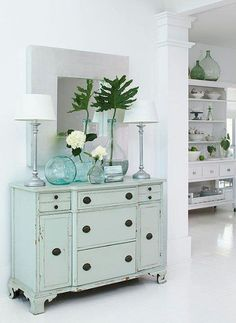 I love this light sea foam green colour