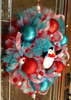 Adorable!! #christmaswreath #etsy #totallybuying