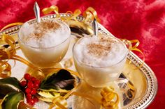 Winter-Warming Drinks - For Adults and Kids | As winter sets in, warm drinks become a favorite way to beat the chill. Whether it's just for you or for a crowd, for kids or adults, there are bound to be some creative and flavorful winter drinks you can make. Here are some ideas and recipes. Drinks for Adults (Alcoholic) Celebrate the... | http://www.natural-holistic-health.com/winter-warming-drinks-adults-kids/