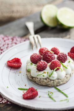 Mini Cakes with Lime, Poppy Seed and Raspberry - can't wait to try! Sweet Desserts, Sweet Recipes, Delicious Desserts, Good Food, Yummy Food, Sweet Pie, Mini Foods, Mini Cakes, Bakery