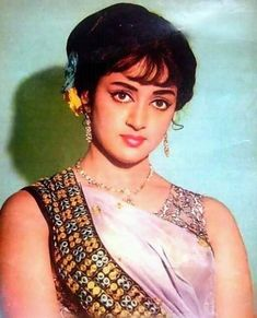 Who is the most beautiful actress in India? Hema Malini - Most Sweetest Indian Actress Images VOTE NOW - Bollywood Cinema, Bollywood Stars, Bollywood Actress, Rekha Actress, Bollywood Heroine, Indian Actress Images, Indian Actresses, Most Beautiful Indian Actress, Beautiful Actresses