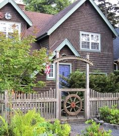 Classic Nautical Curb Appeal Ideas from Cannon Beach
