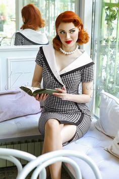 The Greta Pencil Dress in Gingham Mode Rockabilly, Rockabilly Fashion, Retro Fashion, Vintage Fashion, Idda Van Munster, Gingham Shorts, Believe, Wiggle Dress, Pin Up Style