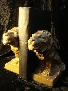 Pair of Beastly Vintage Lion Bookends SKU: 1422 For Sale | Antiques.com | Classifieds Price: $85.00