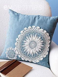 make incredible 60 DIY fabric & paper doilies - Fabric Crafts Trend Paper Doily Crafts, Doily Art, Doilies Crafts, Paper Doilies, Fabric Crafts, Fabric Paper, Fabric Glue, Crochet Fabric, Crochet Cushions