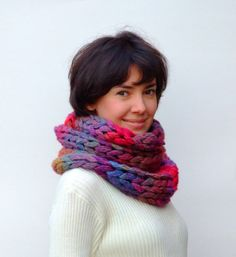 Chunky knit cowl / scarf. Make tons of i-cord and then knit with it. Cool idea.