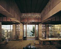 The interior of Samuel Freeman House in the Hollywood Hills of Los Angeles built in Architect: Frank Lloyd Wright Zaha Hadid, Amazing Architecture, Architecture Design, School Architecture, Taschen Books, Wisconsin, Richard Rogers, Frank Lloyd Wright Buildings, Arizona