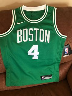 e12c356a6 Details about Nike Boston Celtics Isaiah Thomas  4 Basketball Jersey NWT  Size M Youth