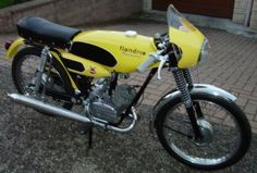 Vespa 125, Karting, Honda Cb 750 Four, 50cc Moped, Triumph, Classic Bikes, Motorcycle Bike, Cars And Motorcycles, More Fun