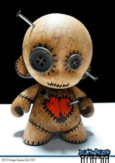 2013 vintage voodoo doll custom mummy vinyl toy with by bumwhush Voodoo Doll Tattoo, Voodoo Dolls, Zombie Dolls, Creepy Toys, Creepy Cute, Toy Art, Clay Projects, Clay Crafts, Arte 8 Bits