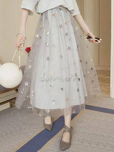 Maxi length flare skirt Tulle skirt Lined Star Glitter Waist rubber Soft Adult Cute Beautiful Modest Fashion, Skirt Fashion, Fashion Dresses, Cute Comfy Outfits, Pretty Outfits, Hijab Fashionista, Moda Casual, Embroidery Fashion, Kpop Outfits