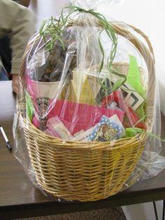 Part 2: {the lowdown on even more} Fantastic, Affordable Gift Baskets - Love the Cupcake basket - in the metal bowl!