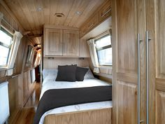 Aqualine narrowboat builders build narrow boats to the highest standards & level of detail. Simply put you won't get a better narrowboat for the money! Canal Boat Interior, Narrowboat Interiors, Houseboat Living, Houseboat Ideas, Boat Companies, Tiny House Movement, Boat Design, Boat Building, House Building