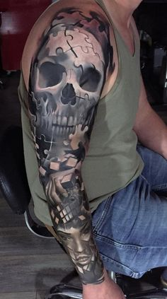 I dont like skull tattoos so much, but this one is nice done. The grayscale themed tattoo makes the design look mysterious and fearless. Below is a puzzle like design that combines to form a girl's face. Sick Tattoo, Badass Tattoos, Tattoos For Guys, Puzzle Tattoos, Skull Tattoos, Body Art Tattoos, Sleeve Tattoos, Tatoos, Tattoo Crane