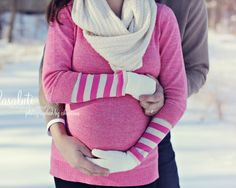 winter maternity photo