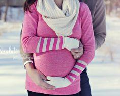 winter maternity photo