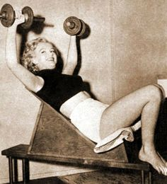 Marilyn Monroe: The Holiday Workout Rule 5 Holiday Workout, Candle In The Wind, Marilyn Monroe Photos, Norma Jeane, Guys Be Like, Rare Photos, Bombshells, American Actress, My Idol