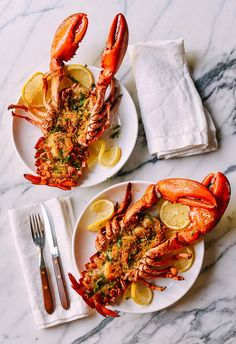 Baked Stuffed Lobster with Shrimp makes a big statement for a special celebration. This lobster with herbs, buttery bread crumbs & shrimp won't disappoint. Lobster Dishes, Lobster Recipes, Seafood Recipes, Cooking Recipes, Baked Stuffed Lobster, Fun Easy Recipes, Healthy Recipes, A Food, Gastronomia