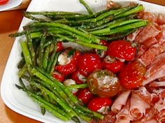 Garlic-Roasted Asparagus recipe from Emeril Lagasse via Food Network Vegetable Side Dishes, Vegetable Recipes, Vegetarian Recipes, Cooking Recipes, Healthy Recipes, Baked Asparagus, Asparagus Recipe, Fresh Asparagus, Fresh Garlic