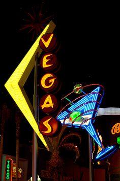 nice photo of Fremont Street's vintage neon signage in Las Vegas, Nevada #SunOrSinCity