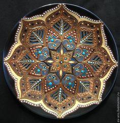 Купить Тарелка декоративная Liberty - чёрный, золотой, восточный орнамент, Настенная тарелка, точечная роспись