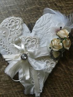 Shabby chic heart wit
