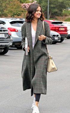 Selena Gomez: Ihr cozy Anti-Herzschmerz-Look zum Nachshoppen