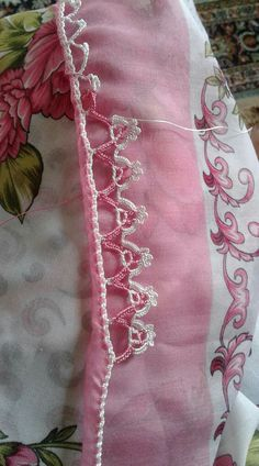 HUZUR SOKAĞI (Yaşamaya Değer Hobiler) Crochet Lace Edging, Thread Crochet, Filet Crochet, Crochet Stitches, Crochet Baby, Clothing Sites, Diy And Crafts, Handmade, Crochet Edgings