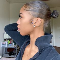 Baddie Hairstyles, Black Girls Hairstyles, Dreadlock Hairstyles, Girls Natural Hairstyles, Trendy Hairstyles, Hair Inspo, Hair Inspiration, Cute Ear Piercings, Tragus Piercing Jewelry