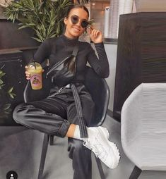 66 Ideas For Sport Chic Outfit Summer Style Fashion Mode, Look Fashion, Fashion Clothes, Street Fashion, Trendy Fashion, Fashion Outfits, Womens Fashion, Fashion Black, Sport Fashion