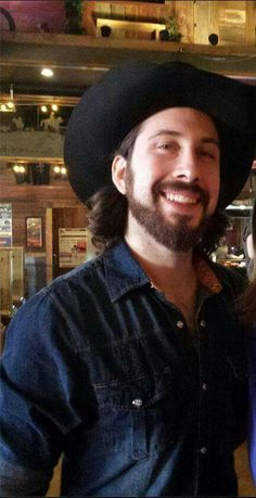 Avi Kaplan....Oh holy moly my heart just went flutter!!
