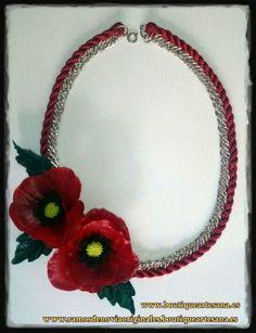 Collar porcelana floral. Amapolas.