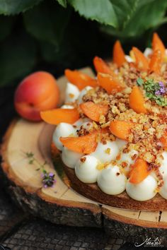 Aprikosen Knuspertarte mit Zitronenthymian
