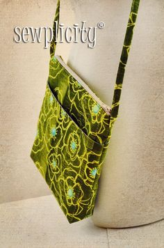 """So, I had a little time yesterday to """"play"""". I have been wanting to make a small cross-body bag with skinny straps for those quick errands..."""